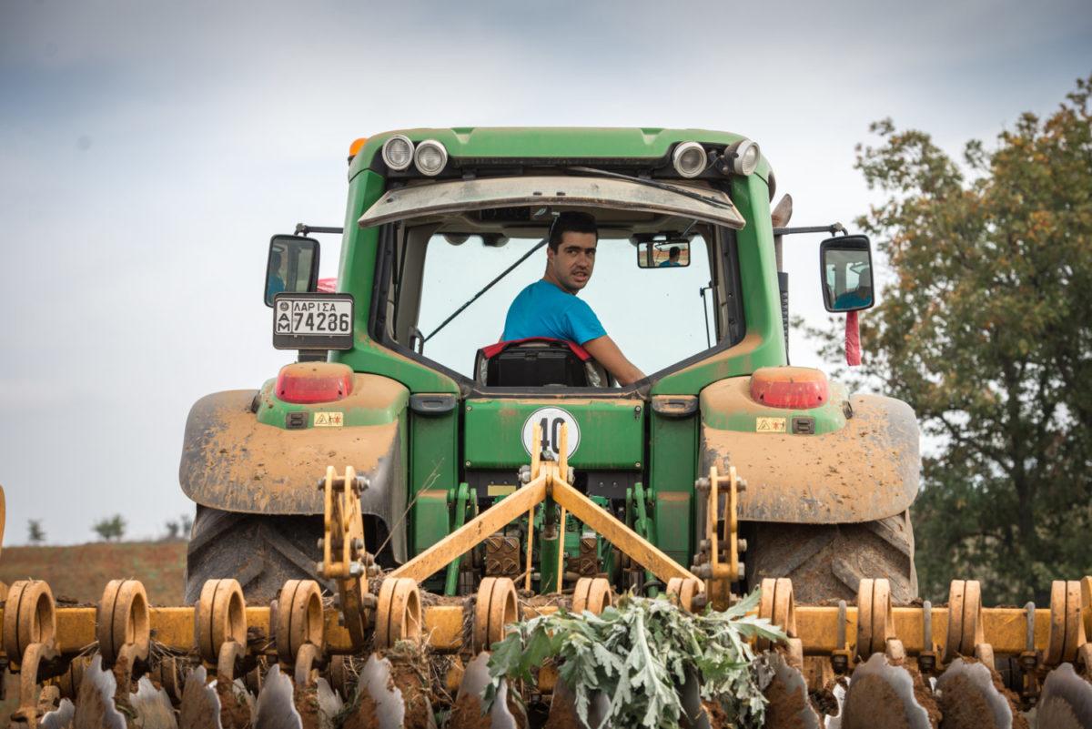 201812061224322150 1200x801 - Πρωτότυπο ημερολόγιο από νέους αγρότες στη Σκοπιά Φαρσάλων