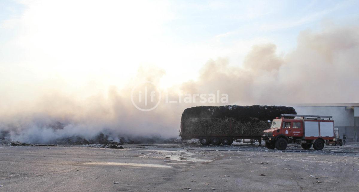 201910190759486910 1200x642 - Φωτιά στο εκκοκκιστήριο στα Φάρσαλα (φωτο)