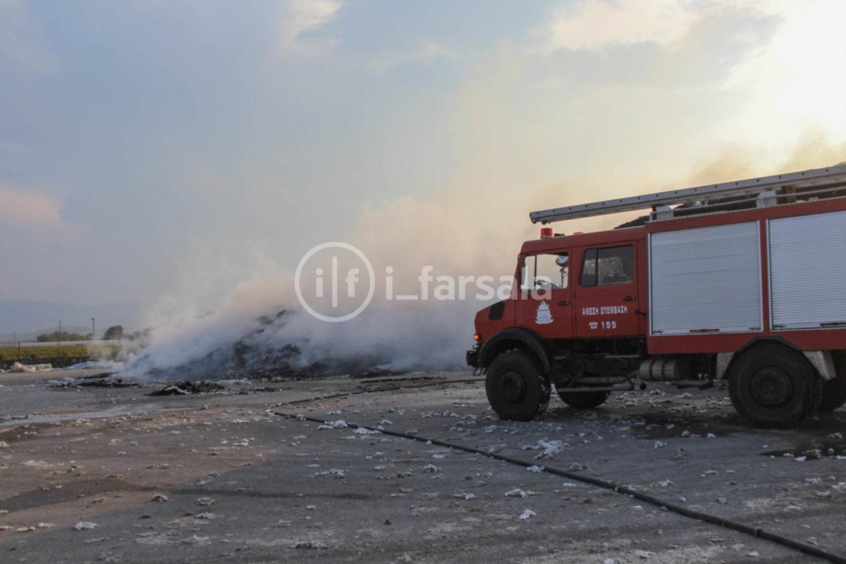 201910190759521732 1200x800 - Φωτιά στο εκκοκκιστήριο στα Φάρσαλα (φωτο)