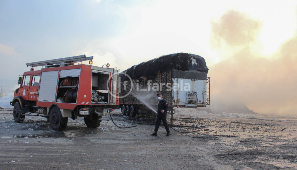201910190800094867 1200x689 - Φωτιά στο εκκοκκιστήριο στα Φάρσαλα (φωτο)