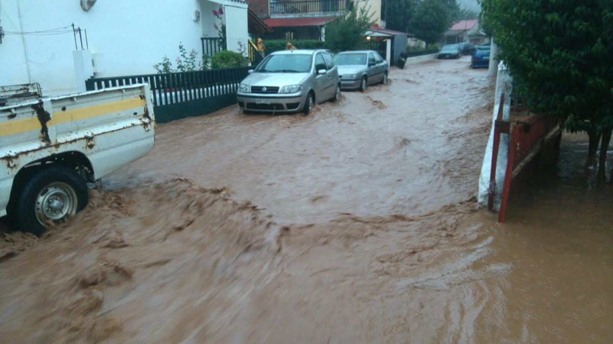202009190949513565 1200x675 - Βίντεο: Πλημμυρισμένα χωριά στα Φάρσαλα