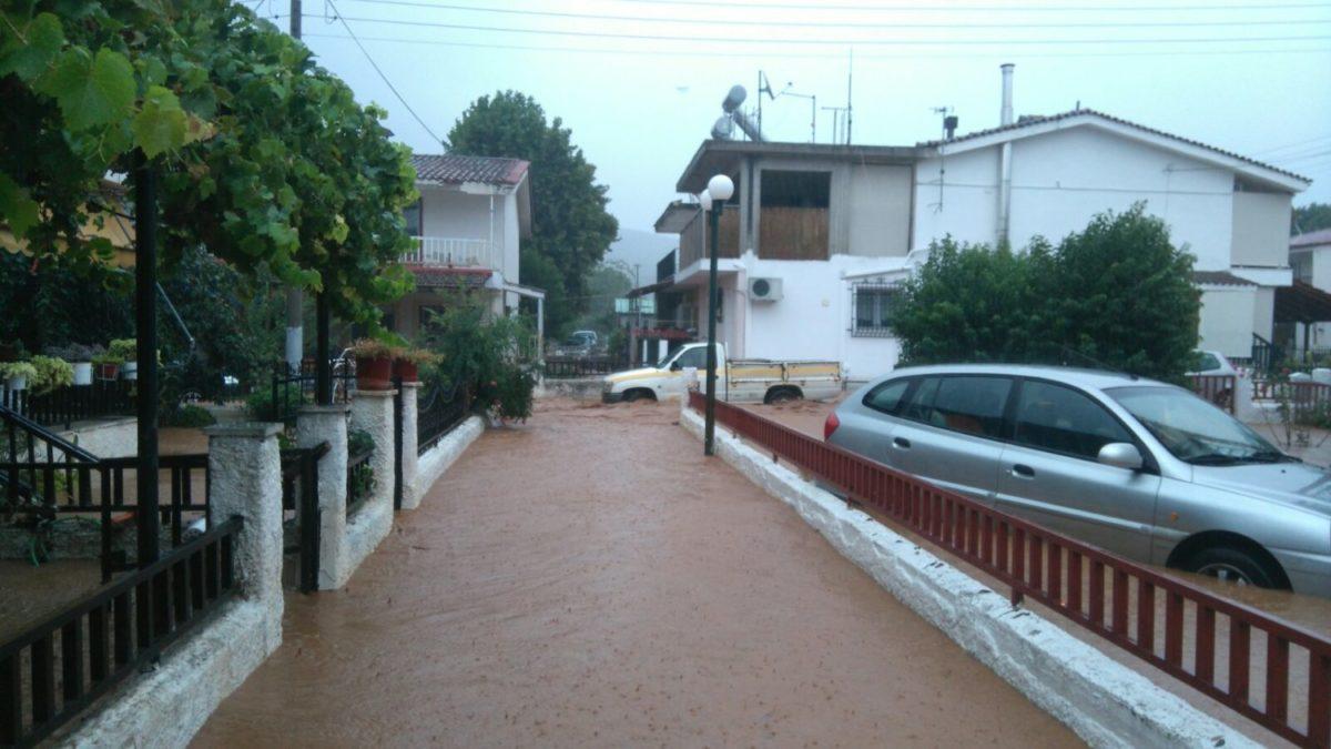 202009190949556770 1200x675 - Βίντεο: Πλημμυρισμένα χωριά στα Φάρσαλα