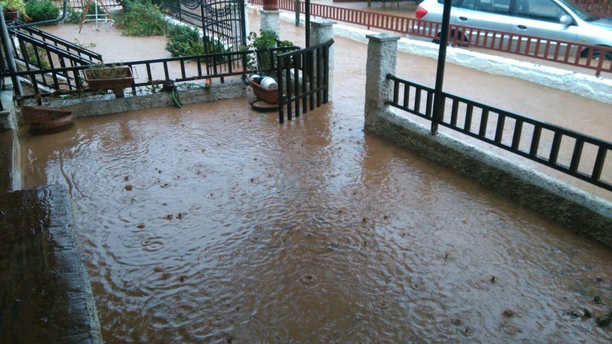 202009190949597264 1200x675 - Βίντεο: Πλημμυρισμένα χωριά στα Φάρσαλα