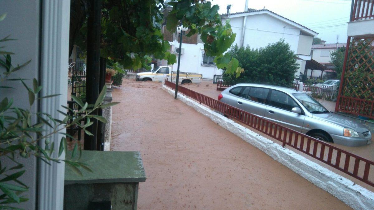 202009190950035687 1200x675 - Βίντεο: Πλημμυρισμένα χωριά στα Φάρσαλα