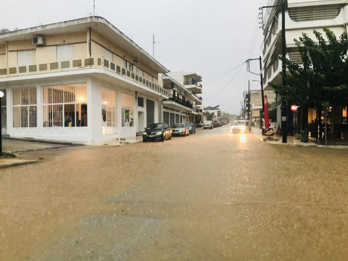 202009190950413460 1200x900 - Βίντεο: Πλημμυρισμένα χωριά στα Φάρσαλα