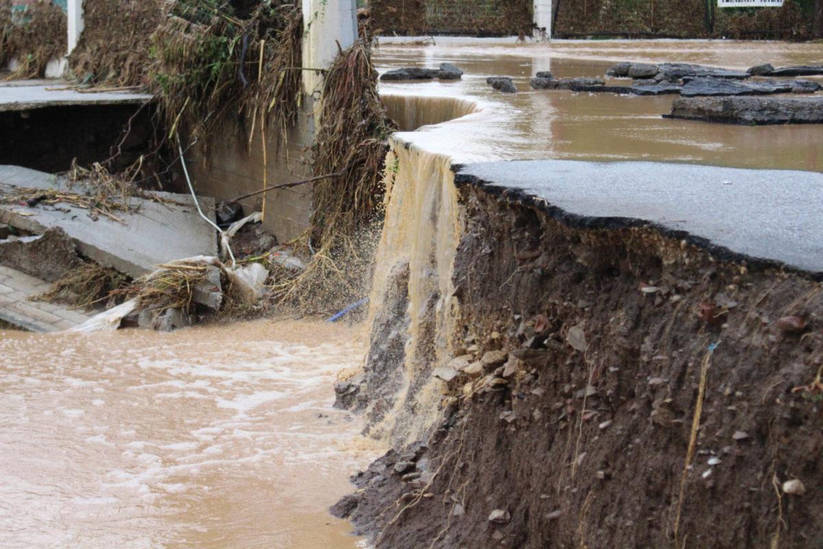 202009200551255045 1200x800 - Εικόνες βιβλικής καταστροφής στα Φάρσαλα (δείτε φωτογραφίες)