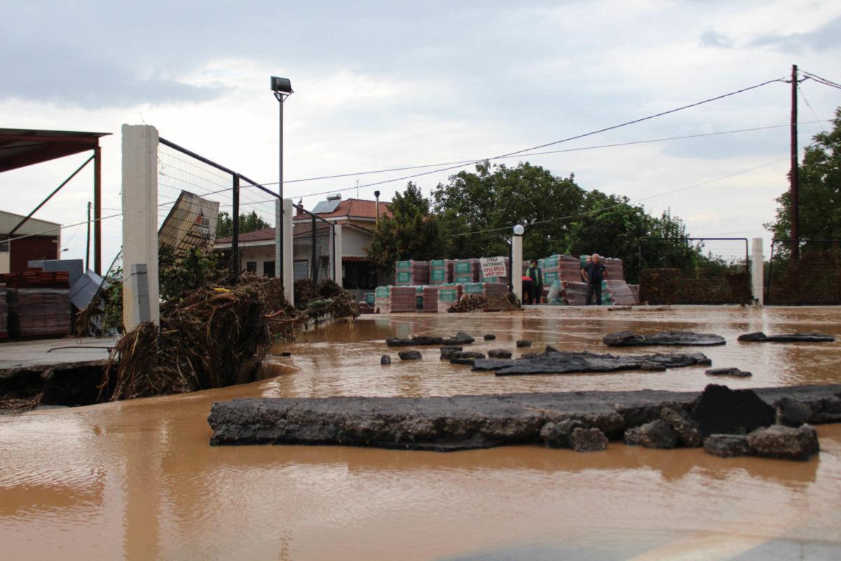 202009200551282929 1200x800 - Εικόνες βιβλικής καταστροφής στα Φάρσαλα (δείτε φωτογραφίες)