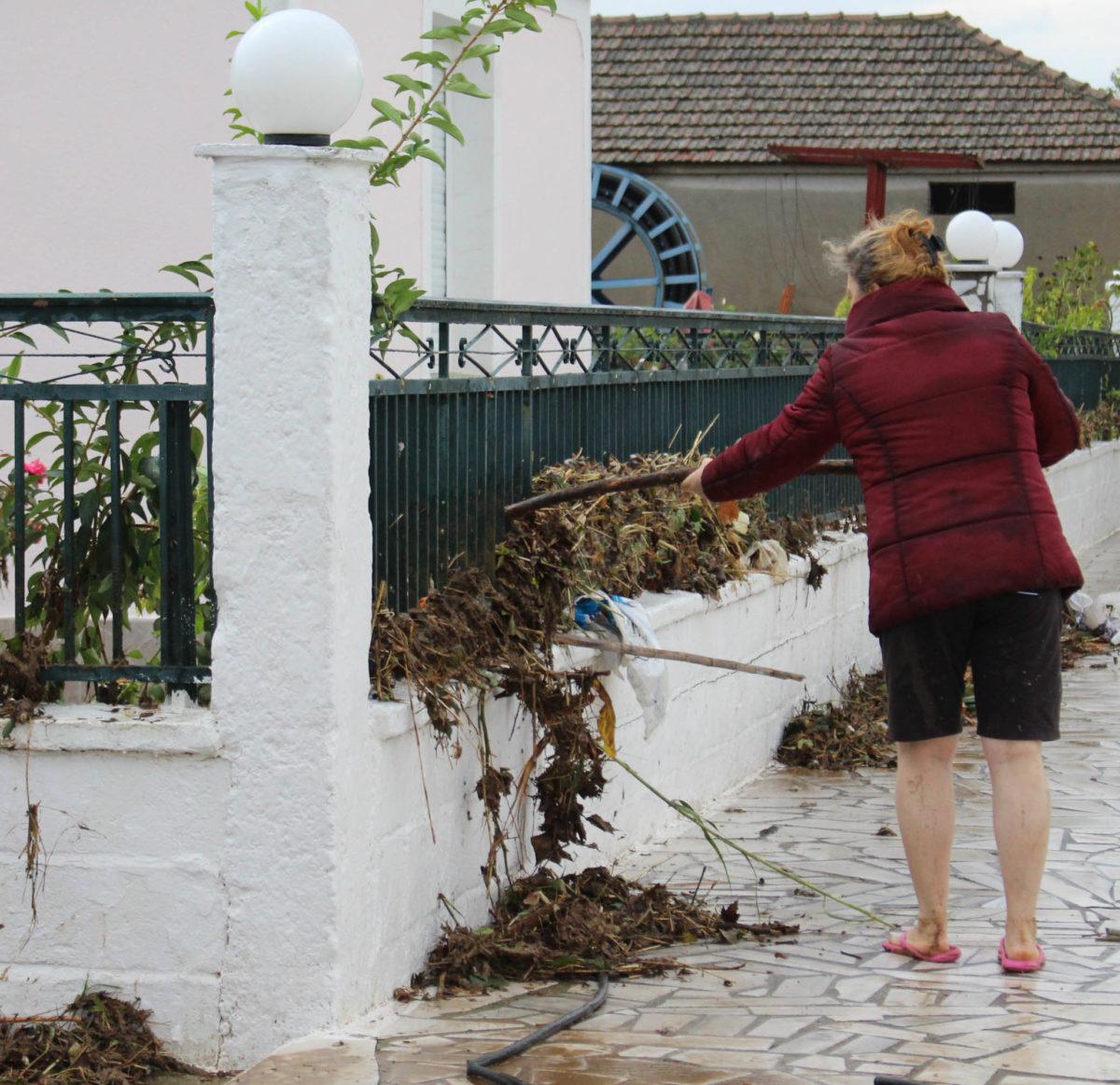 202009200552052062 1200x1163 - Εικόνες βιβλικής καταστροφής στα Φάρσαλα (δείτε φωτογραφίες)