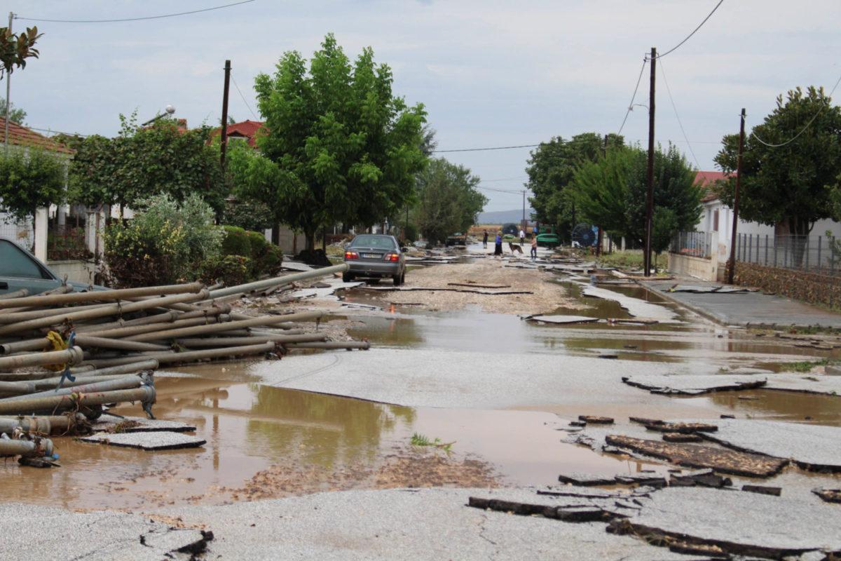 202009200552217382 1200x800 - Εικόνες βιβλικής καταστροφής στα Φάρσαλα (δείτε φωτογραφίες)