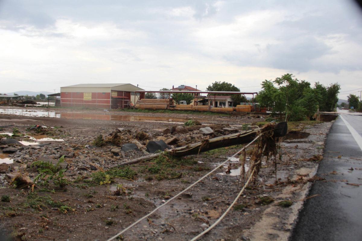 202009200552439454 1200x800 - Εικόνες βιβλικής καταστροφής στα Φάρσαλα (δείτε φωτογραφίες)
