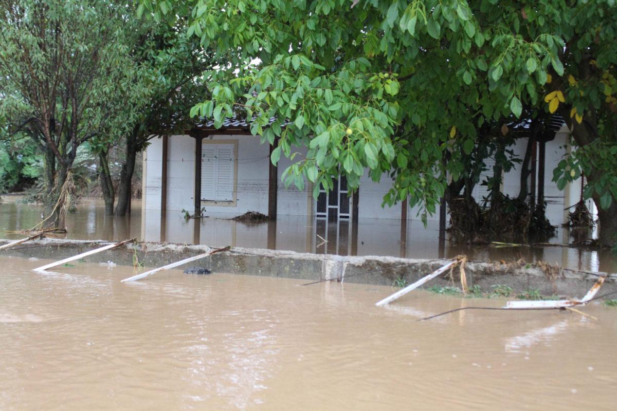 202009200552461991 1200x800 - Εικόνες βιβλικής καταστροφής στα Φάρσαλα (δείτε φωτογραφίες)