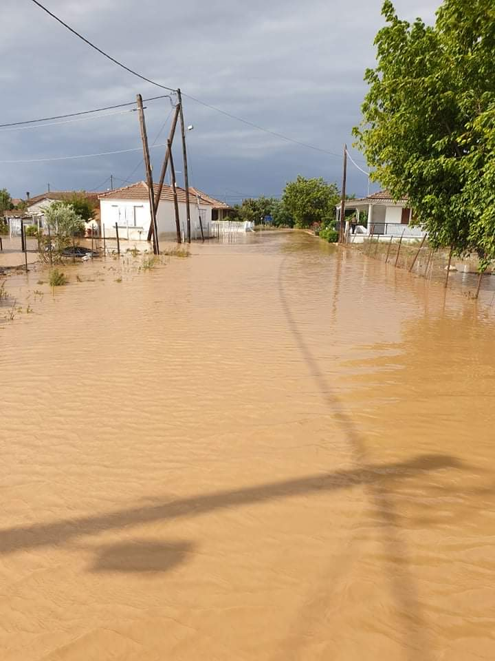 202009200625337764 - Εικόνες βιβλικής καταστροφής στα Φάρσαλα (δείτε φωτογραφίες)